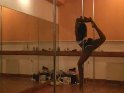 Grunty Crush of the Week: Pole Dance Inspiration From Juliette
